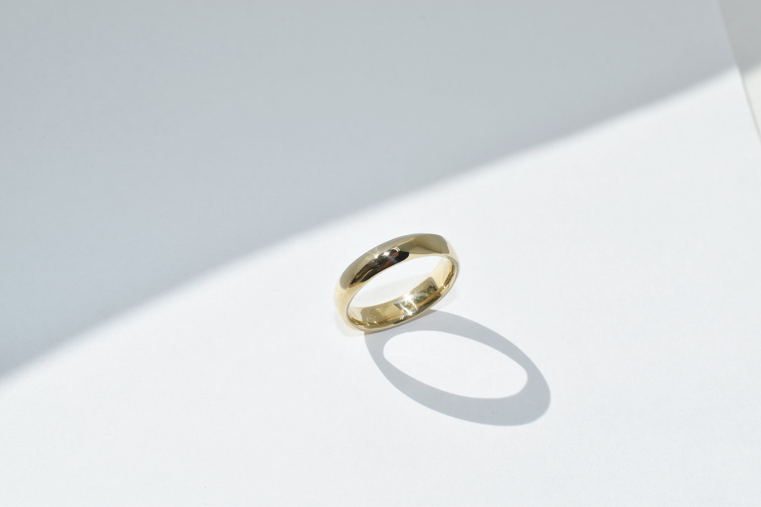 EVAN Ring - Illusion Curve 14k Yellow Gold