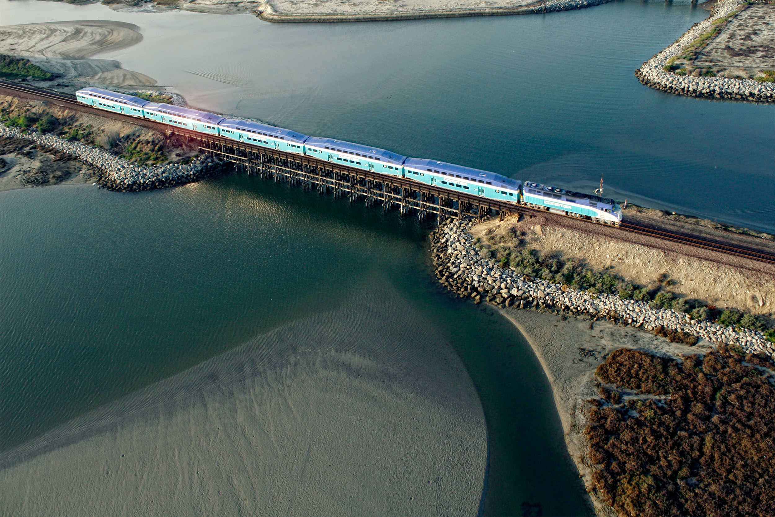 18_drone_aerial_photography_transportation_train.jpg