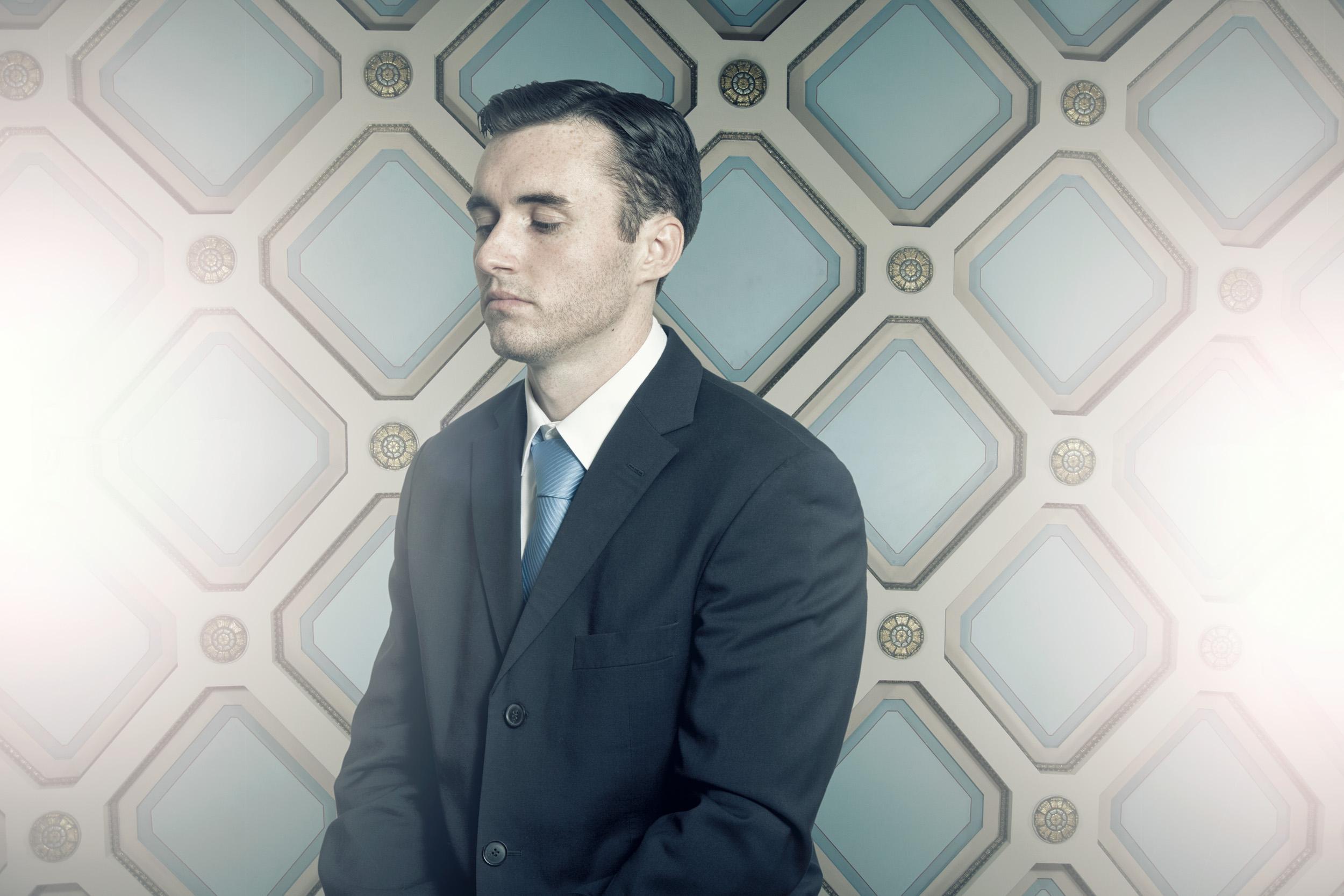 35_conceptual_portrait_businessman_millenial.jpg