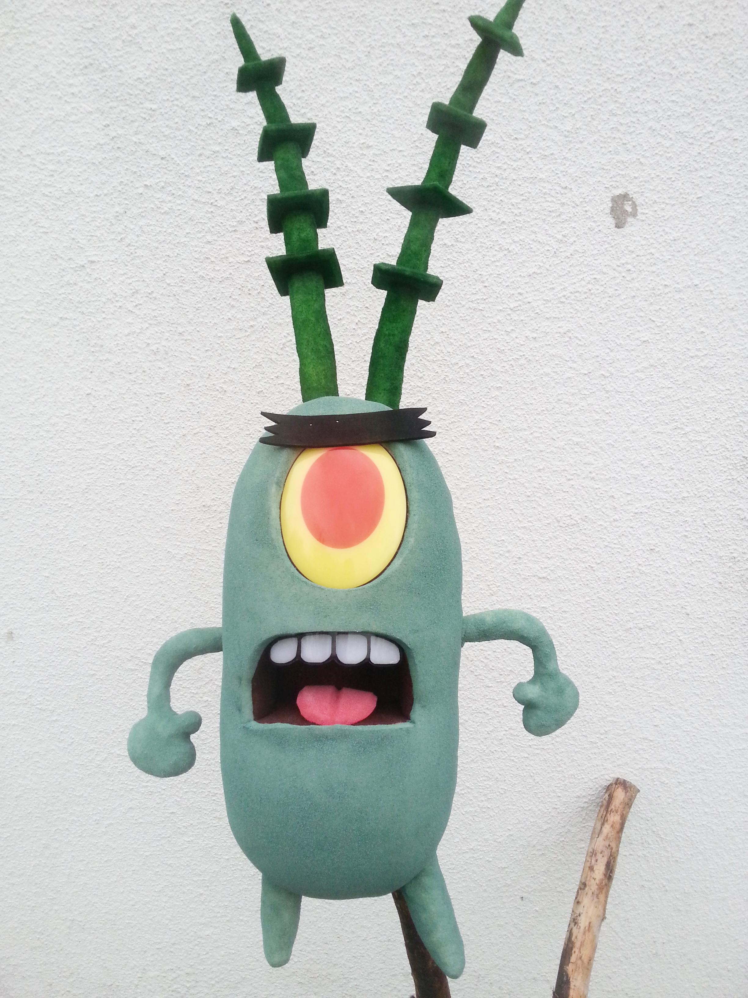 Plankton   ble laget som en hånd dukke på oppdrag for Tusenfryd i en oppsetning med Svampebob.