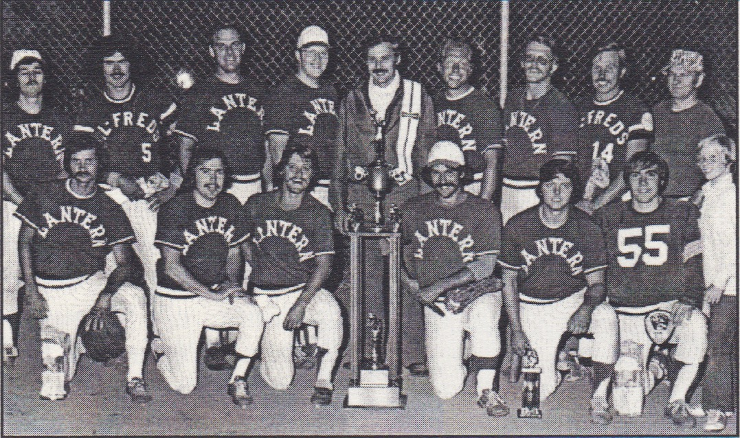 (Back L-R) Jim Frederick, unknown, unknown, Jim Swanson, Don Feldott, Terry Mueller, Rick Sweeney, Elmer Stahnke, Ron Brown  (Front L-R) Tom Pynak, Chuck Baumgartner, Jimmie Walsh, Kent Grossheusch, Herb Donkin, Tom Spahn, Shane Baumgartner