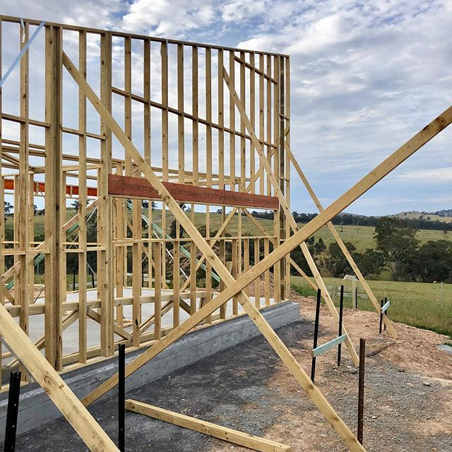 Site progress at #suttongrange. Framing the magnificent view.  #breearchitects #bendigoarchitecture #bendigoarchitects #design #healthylifestyle #healthyliving #livinghealthy #smallbusinessbendigo #mtalexander