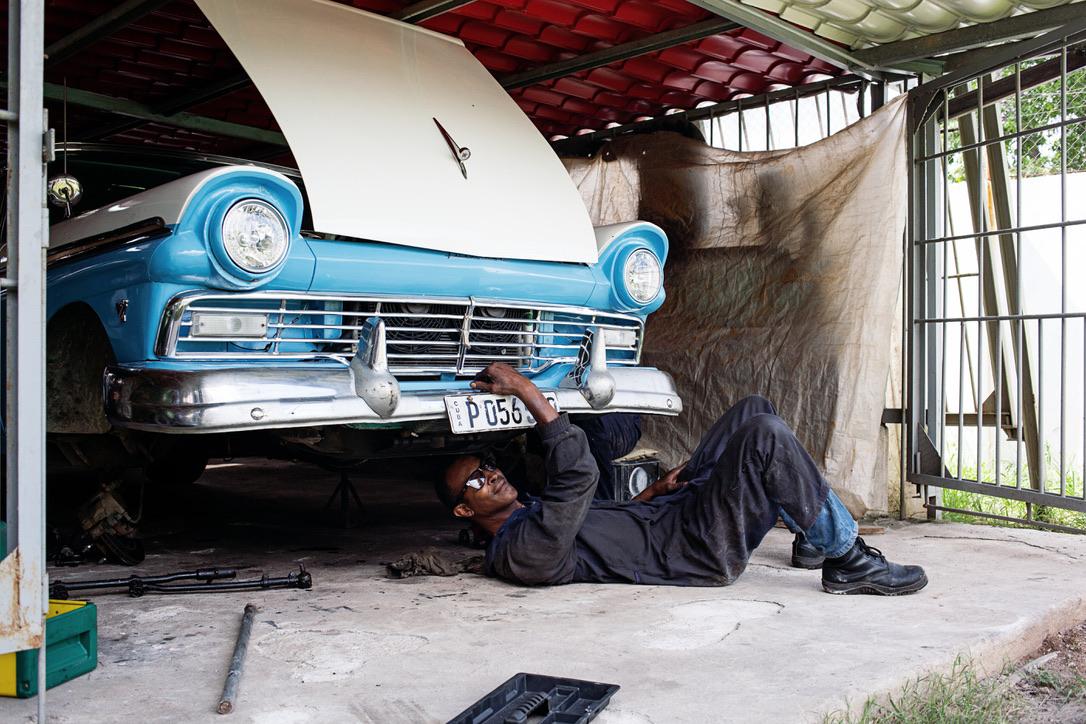 Cuban car HabanaLive