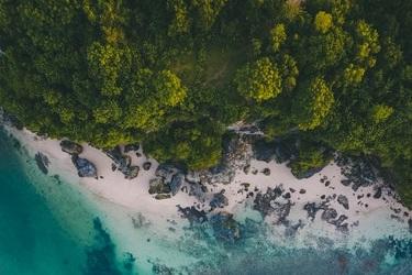 Case Cooperative (Indonesia) - Renewable based micro-grid power plant in coastal villageTheme: Sustainable EnergyTeam Members: Afifah Eleksiani, Trio Aditia
