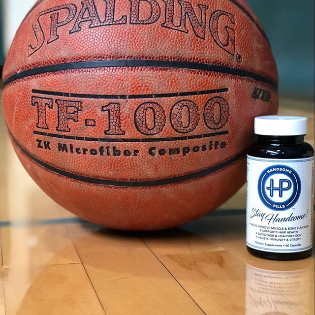 Handsome Pills & Hoops = A Happy Friday #marchmadness #stayhandsome