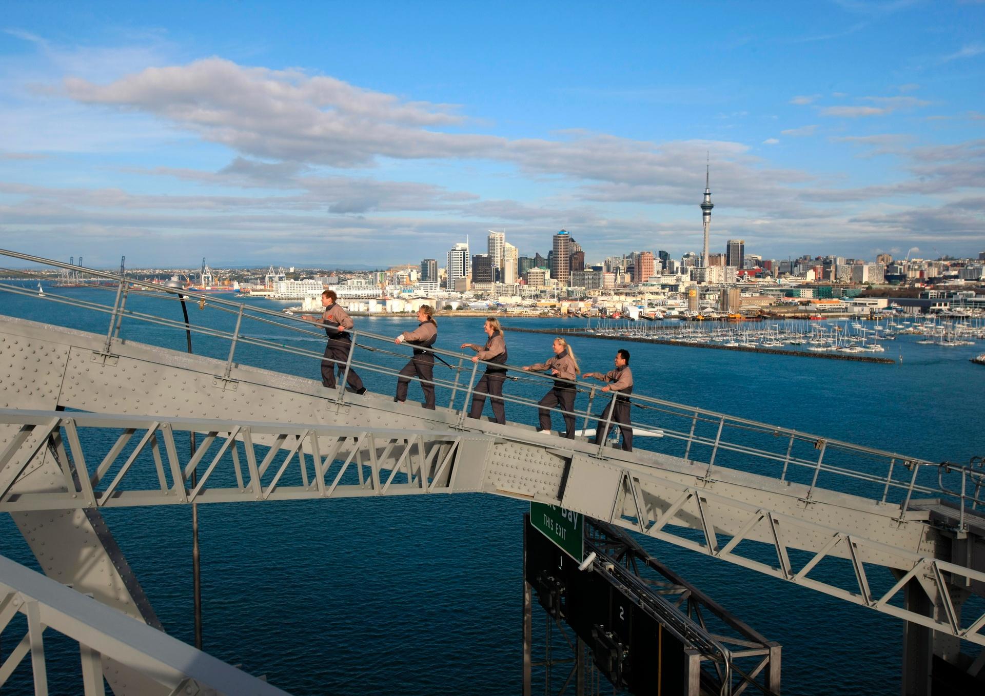 AD302-Auckland-Harbour-Bridge-Auckland-A-J-Hackett-Bungy-New-Zealand.jpg
