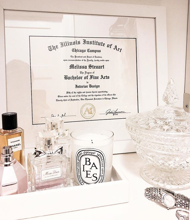 We love making a closet look like a boutique shopping experience right in your own home. Something as simple as adding framed art (pictured: most expensive art I own😂) and pretty decorative items takes the space to the next level. Mix them in with your favorite shoes and hand bags to achieve a layered retail look.