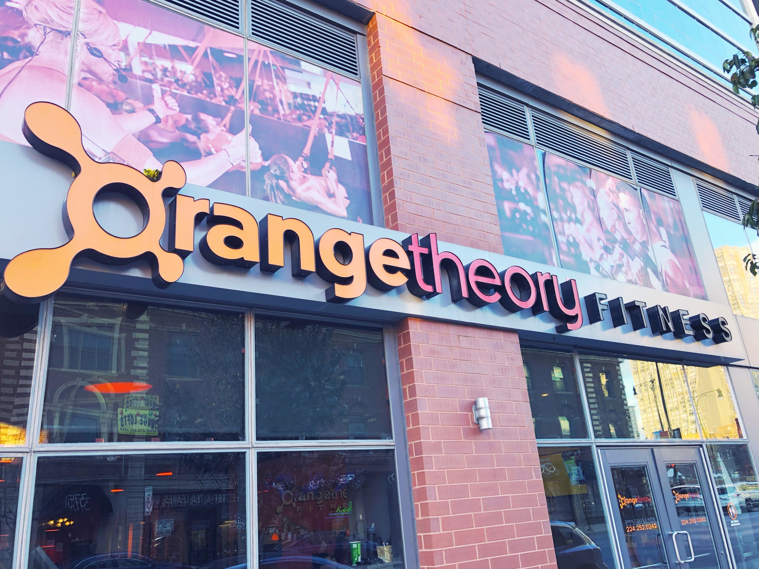 Orangetheory Chicago HIIT and interval studio.