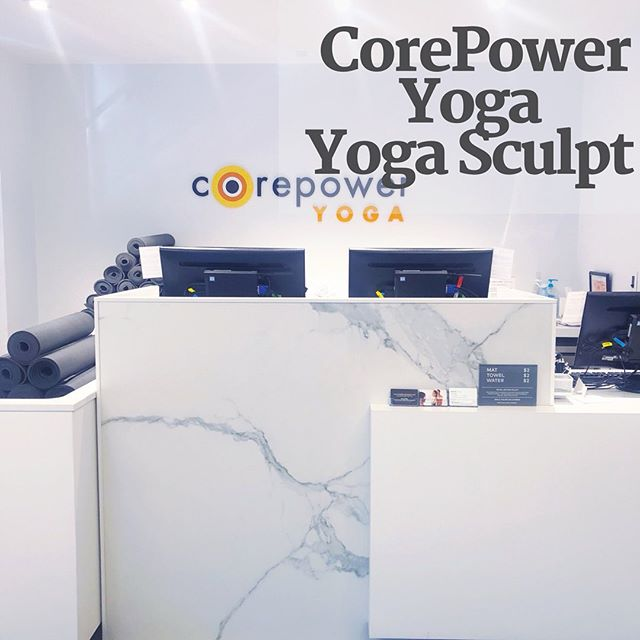 CorePower Yoga - Yoga Sculpt: a 60 min class that mixes yoga w/ sculpting exercises all while inside a heated room in the range of 90-97 degrees. The yoga moves are manageable and basic while the sculpting is more difficult (you'll use light/medium heavy dumbells). Expect cardio bursts sprinkled throughout class that will leave you dripping🍦A super fun class to go to when you need a MAJOR sweat. One caveat- mats AND towels (including shower towels) cost $2 each to rent...not ideal to pay for your shower towel. Read the full review on the site (link in bio👆🏻). #registrationrequired