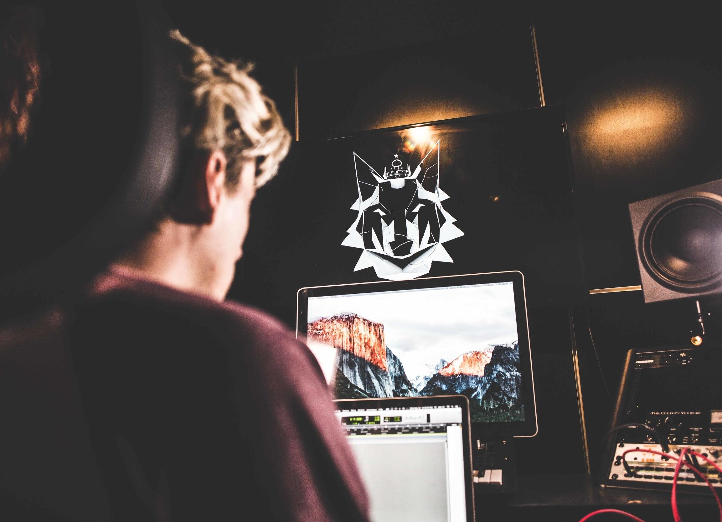 Studio Rental - $50.00/Hour (1-4 hours)$40.00/Hour (4 + hours)