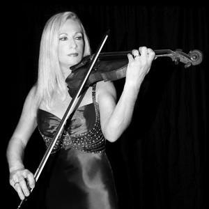 carolyn_violinist.jpg