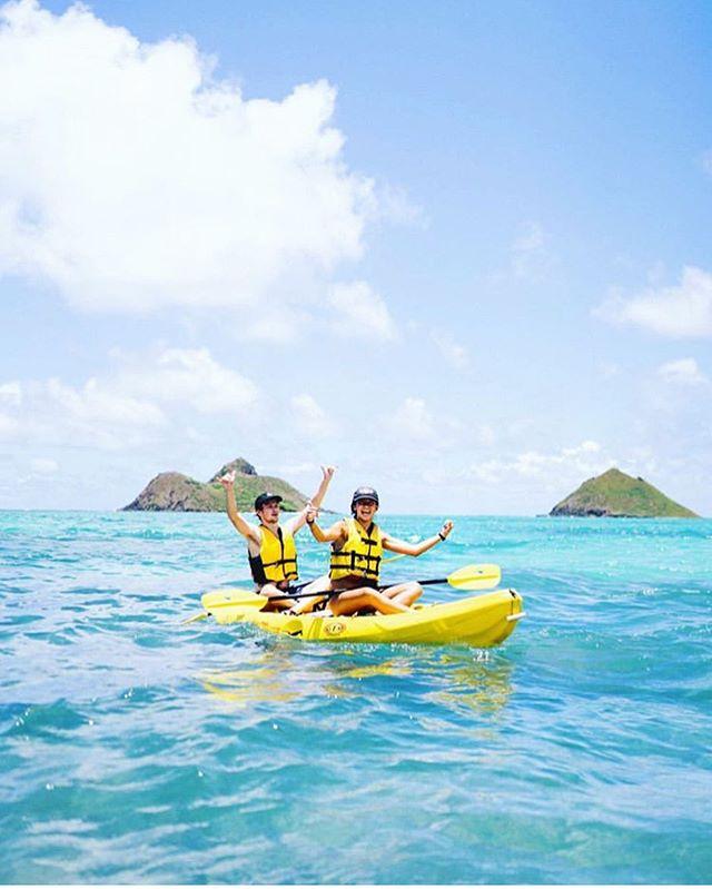 🏖This is how stoked we are about the weekend🤙🏼 it's going to be an amazing day today! 📷: @johncaliguri . . . . #mokulua #lanikai #lanikaibeach #mokes #kayaking #alohasaturday #aloha #kailua #kailuabay #friday #happy #follow #love #oahu #hawaii #hawaiinei #hawaiilife #saturday #kayakinghawaii #kayaking