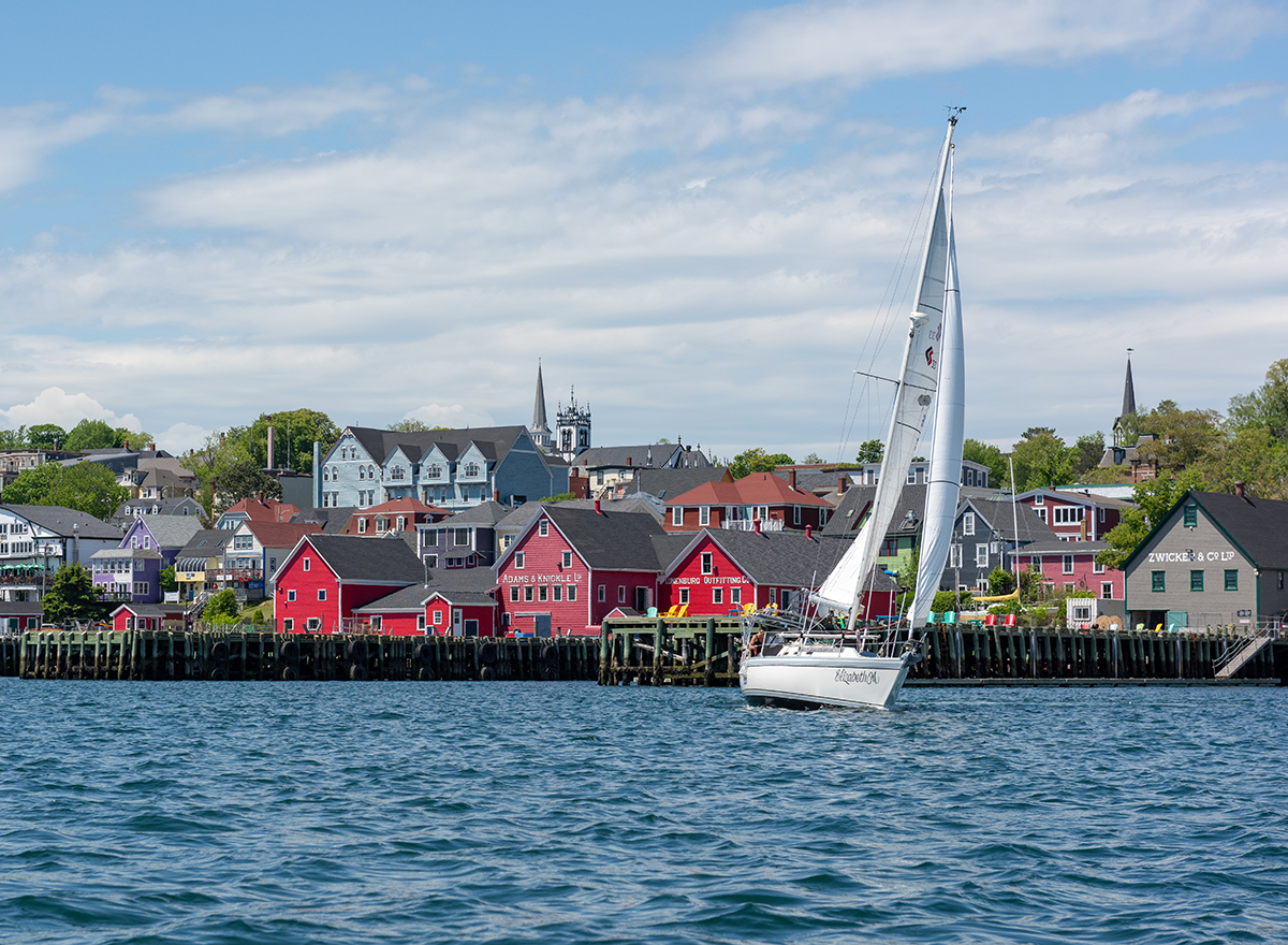 We are a micro business that involves the love of sailing and food,, with a sailboat and a table, to share our passion with you.     In Lunenburg NS