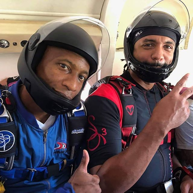 @Regrann - @samgj3 - Had some fun jumps today. That skydive life! . . . This photo was taken at @skydivespaceland on Karankawa ancestral land. . . . Tag #teamblackstar and #skydiversofcolor to help promote diversity in skydiving. Join us at teamblackstar.com as we work to #diversifyoutdoors.