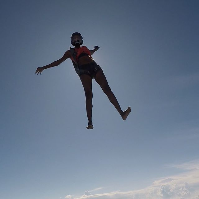 "@skynoire - Giant barefoot black woman alert. Today I'm feeling every inch of my 73"" 160 lb frame and I'm loving it. 