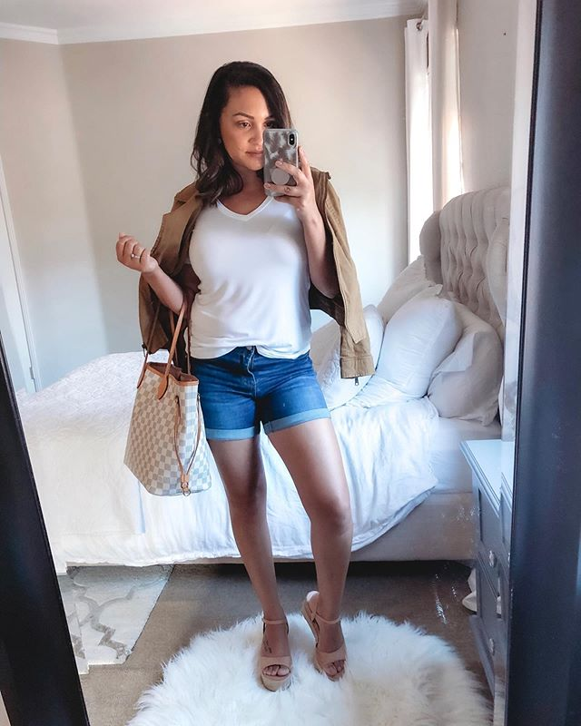 A quick mirror selfie before I change into my boring navy scrubs and head into the night shift. Great day today with my family enjoying brunch and ice cream in Old Town. Hope you all had a wonderful Saturday! http://liketk.it/2DynD @liketoknow.it #liketkit #casualoutfits #momiform #ootdguide