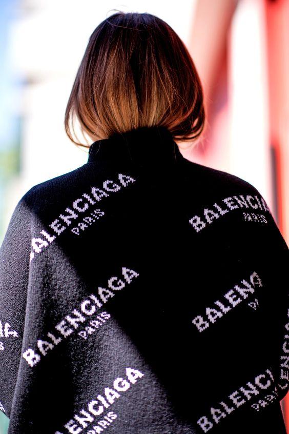 BALENCIAGA<br>Logo Pullover