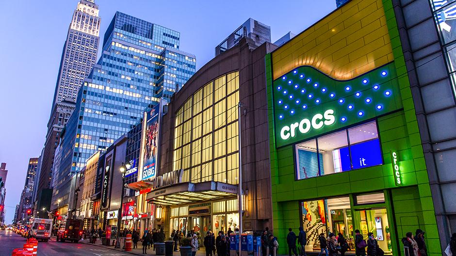crocs_flagship_store_1.jpg