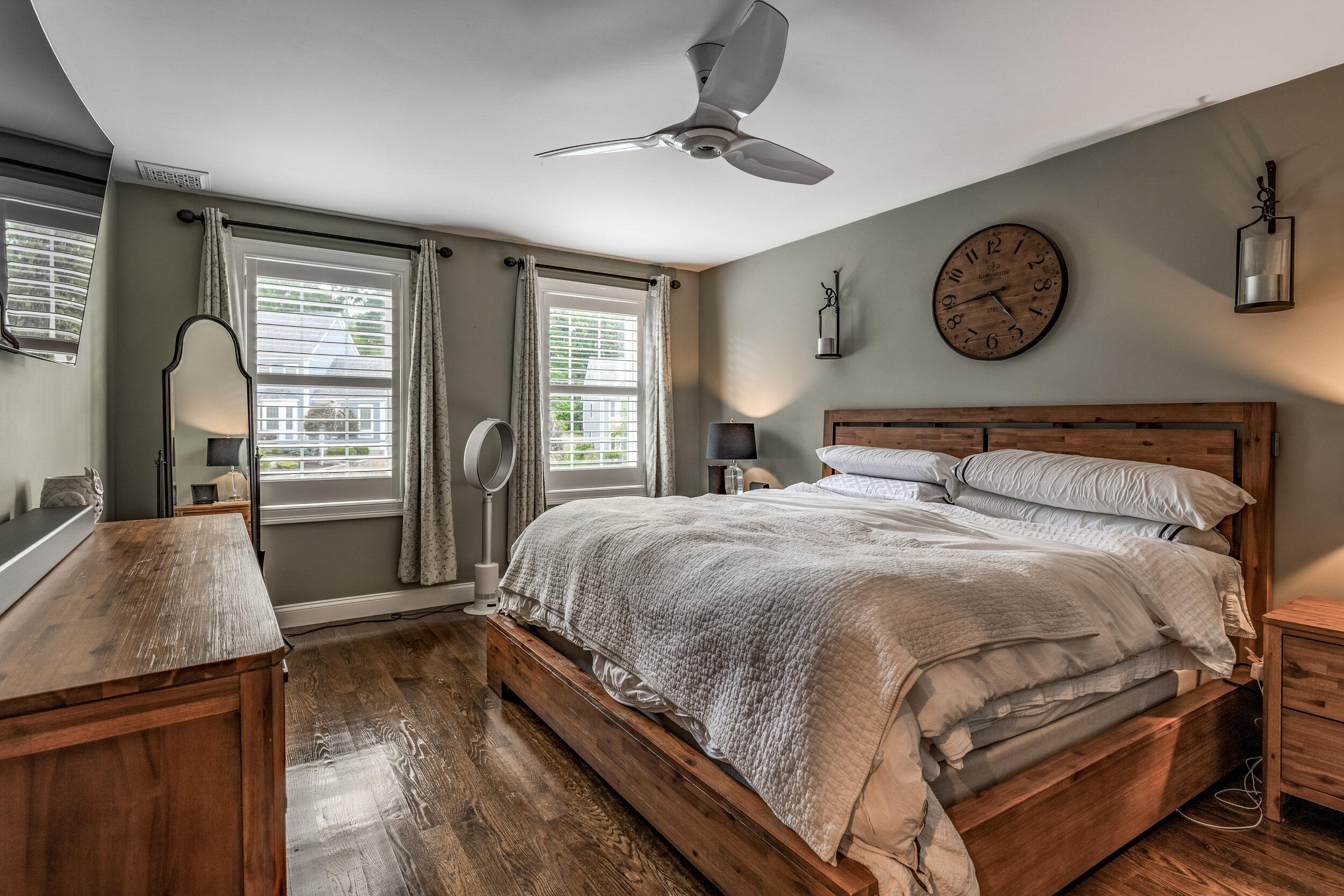 21_Bedroom-7.jpg