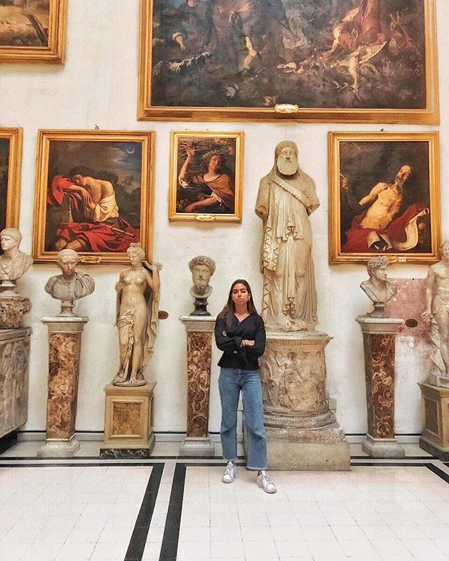 Metamorphic rock 🗻 . . . . . . . . #rome🇮🇹 #italytrip #galleria #sculptures #paintingsdaily