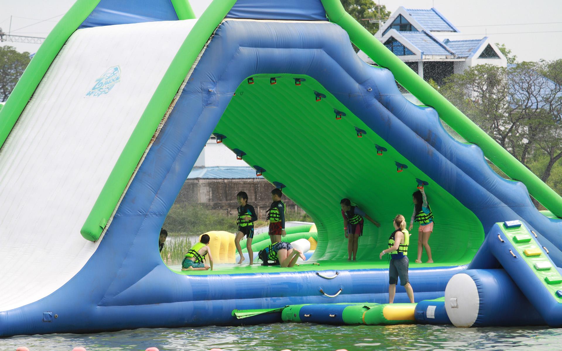 Zanook-Wake-Park-aquapark-1.jpg