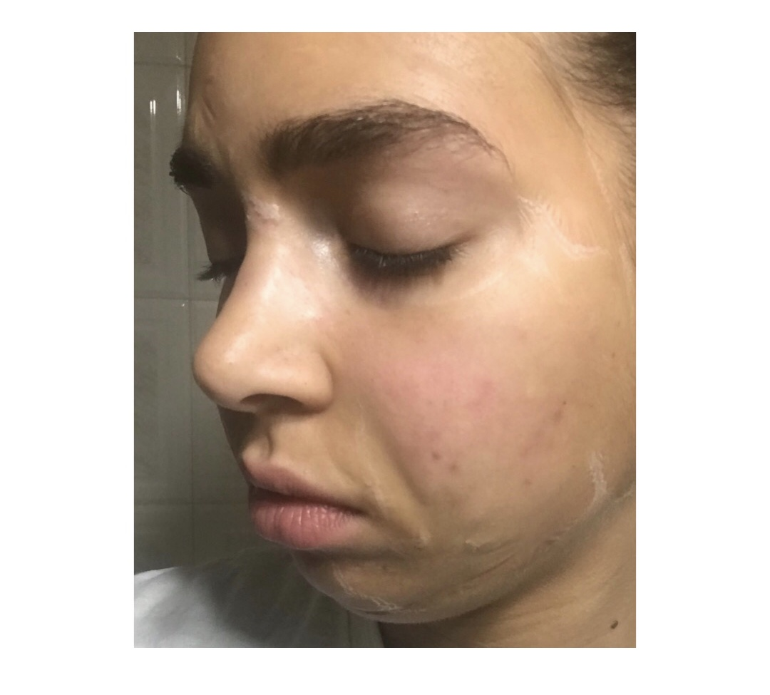 - 1.After cleansing your face, pat your face dry.2.Apply a thin layer to your face and neck, careful to avoid your eye and lip areas.3.Leave it on for 5 to 10 minutes, as the mask works to lift and firm skin.4.Rinse it off using tepid water with your hands or with a gentle sponge.5.Follow it up with your serums, essences, and moisturizer!