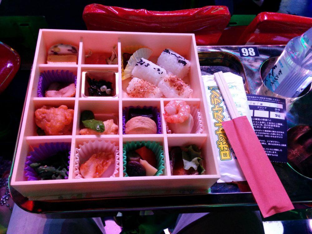 shinjuku-robot-restaurant_de1c555f3e9f4e70ec48fa1bbace7586f0acc08d.jpg