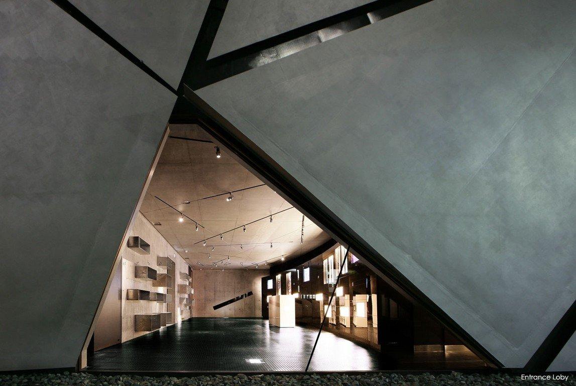 Arch2o-Iron-Gallery-Kensuke-Watanabe-Architecture-Studio-18.jpg