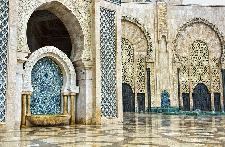 morocco-casablanca-hassan-ii-mosque-interior-detail.jpg