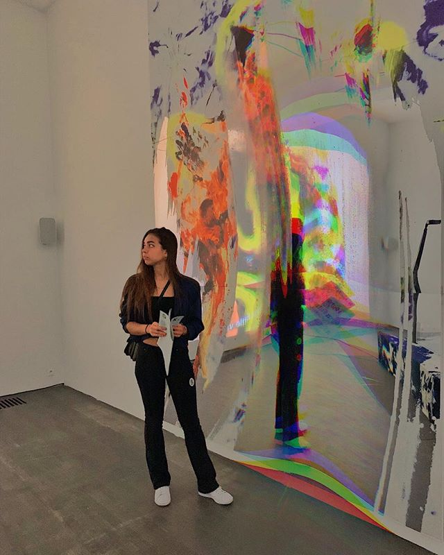 Paying 0.5€ to wash your hands & other European adventures with @anakatarinaavila 🥎. . . . . . . . . . #belgium🇧🇪 #ghent #artmuseums #contemporary_art