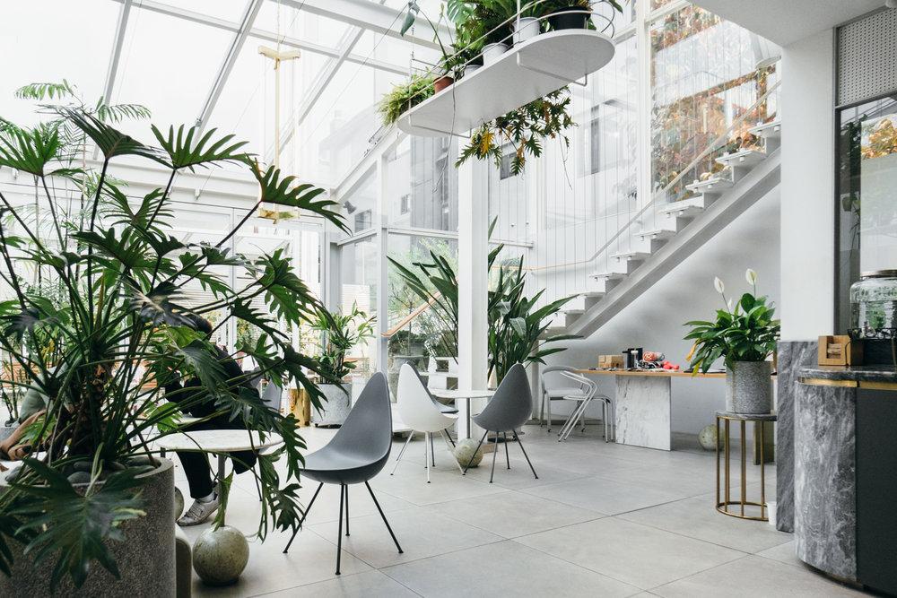 Greysuitcase+-+Cafe+Mula+카페뮬라+10.jpg