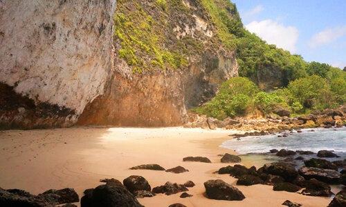 Pantai-Batu-Seha-di-Nusa-Penida.jpg