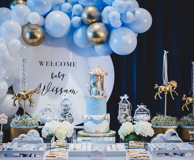N'est-ce pas la plus belle table pour petit gars que vous avez vue EVER!?! 😍 créer par la magnifique @pomponsevents ! Allez voir son insta... c'est juste trop lovely! 💙👶🏻🎂 #montreal #photographemontreal #montrealphotographer #sweettable #babyboy #bluecake #balloonarch #partymontreal #photographe #brossard #rivesud #montrealrivesud #photographer