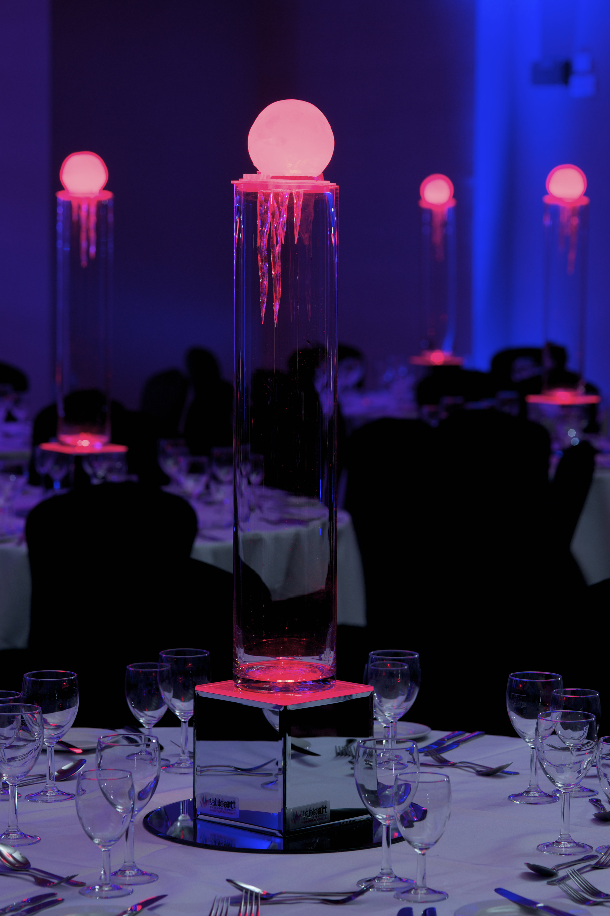 Ice Melt Table Centres in Red