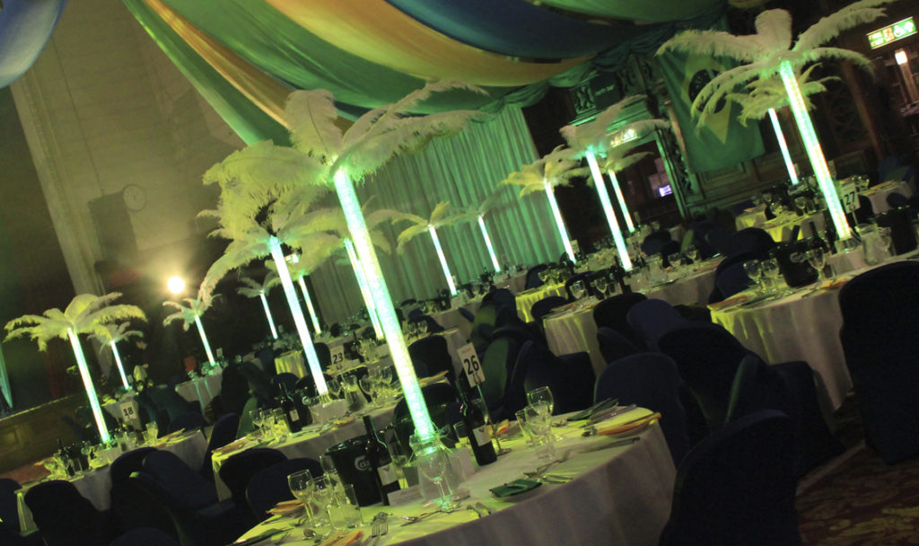 Pixel Feather Table Centres