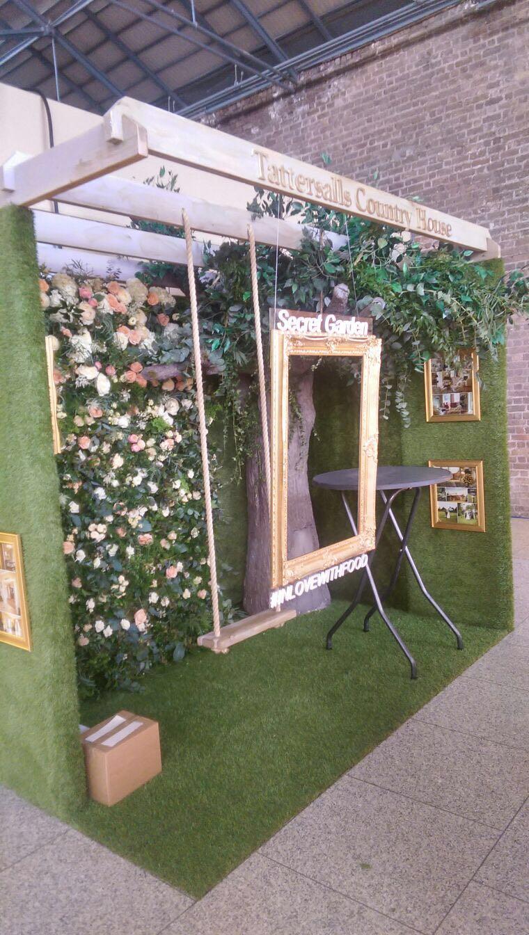 Pop up Grass Exhibition Stand