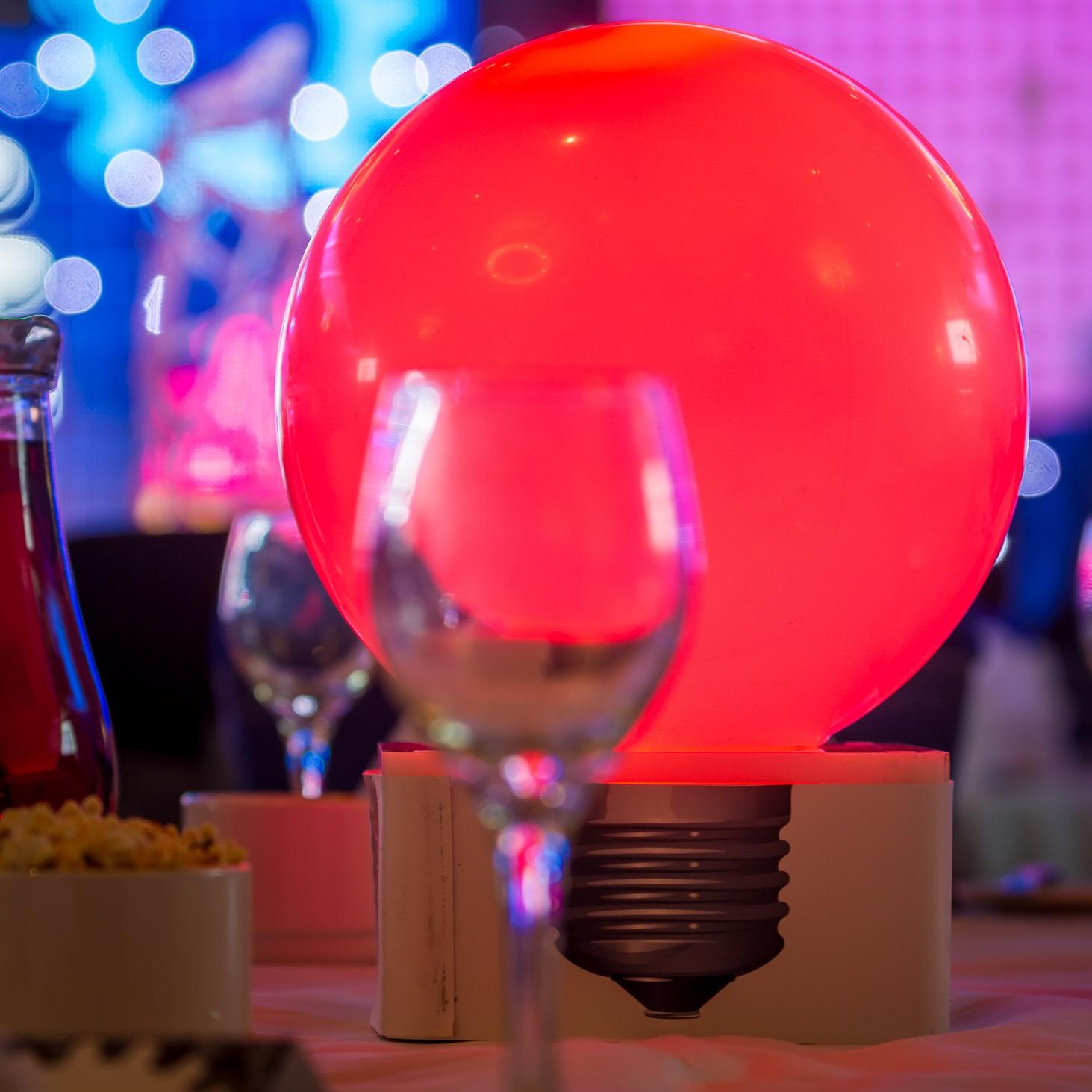 Light Bulb Table Centre