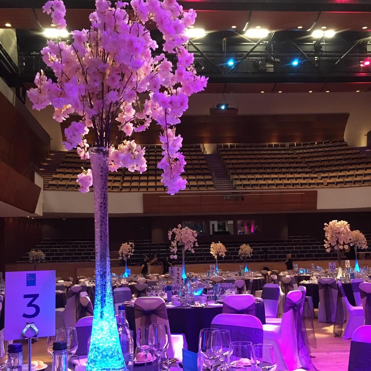 Blossom Slim Vase Table Centre