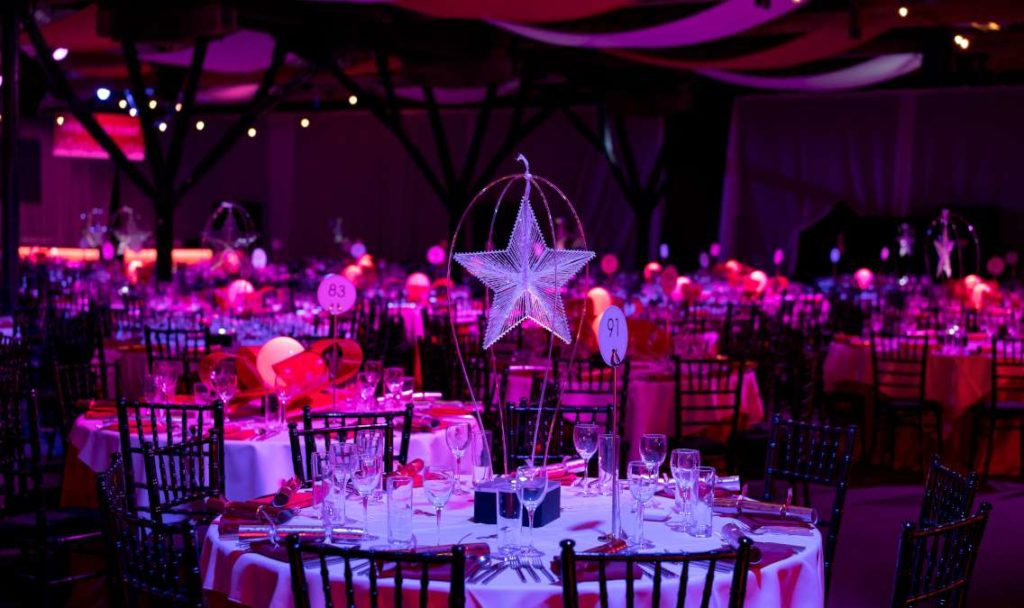 Floating star table centre .jpg