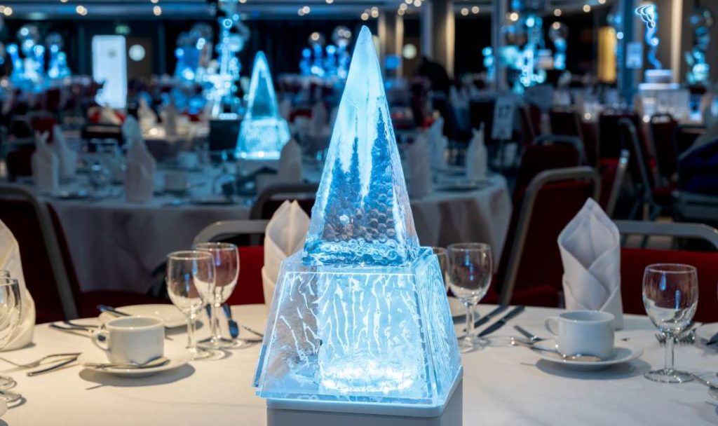 Ice Pyramid Table Centre
