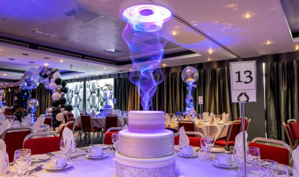 Rotating cake Table Centre