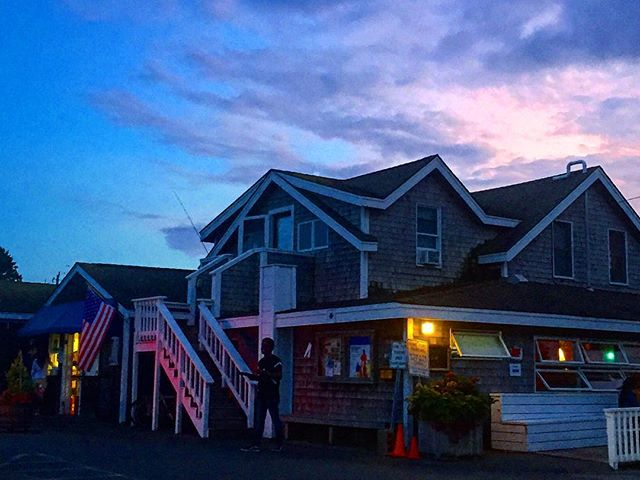 🦀The Home Port 🦀  #homeportmv #menemsha #marthasvineyard #seafood