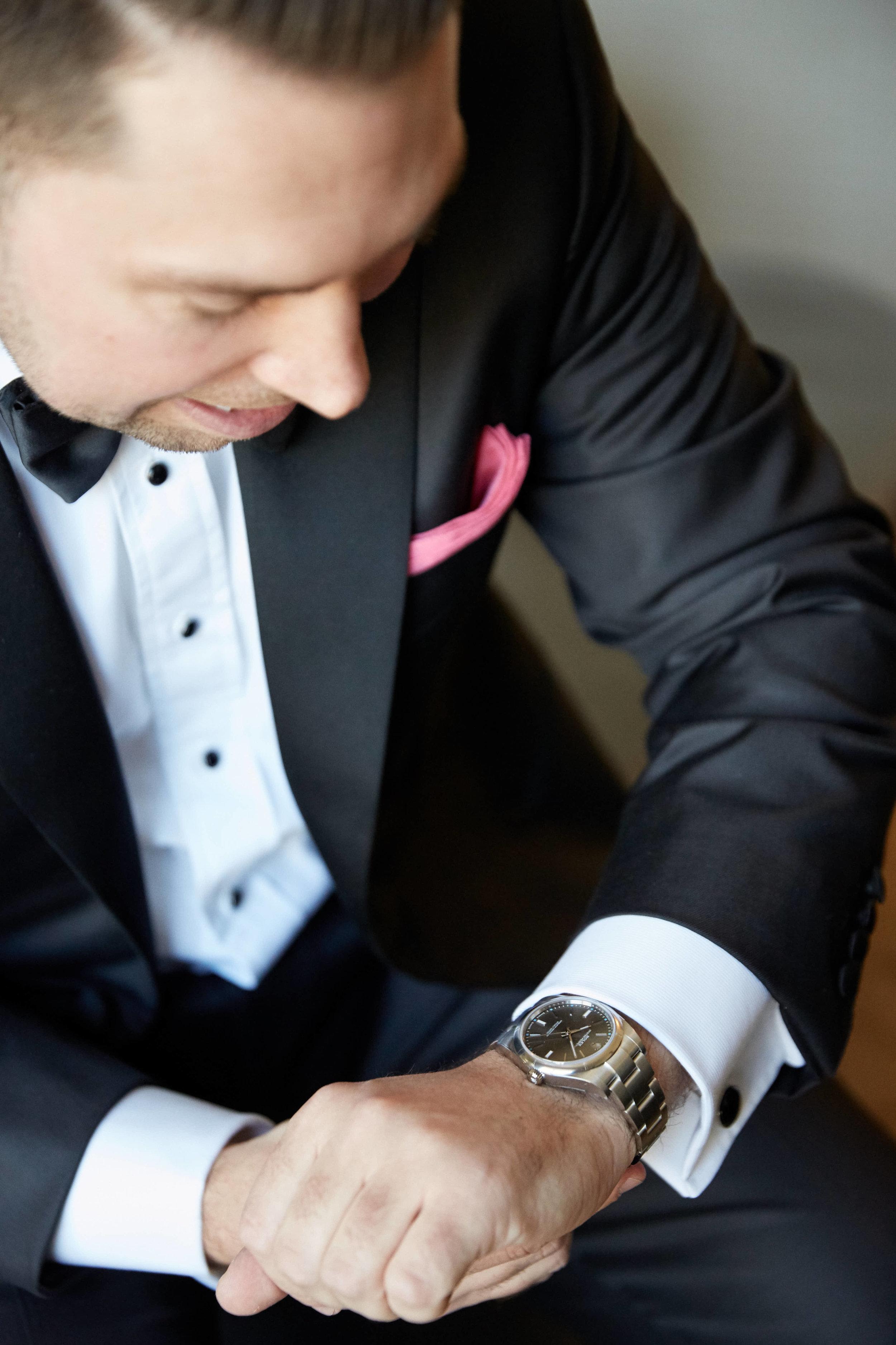 grooms-pink-pocket-square-wedding-nyc-ct