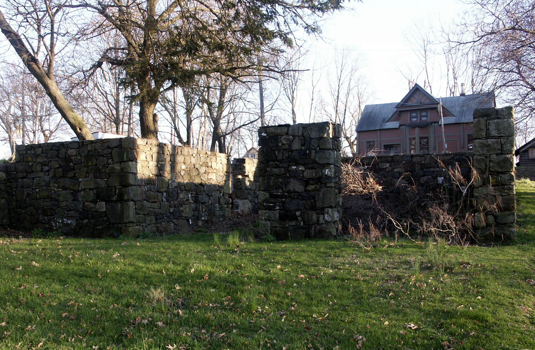 Remains of Barn 4-13-05 647PM 1.JPG