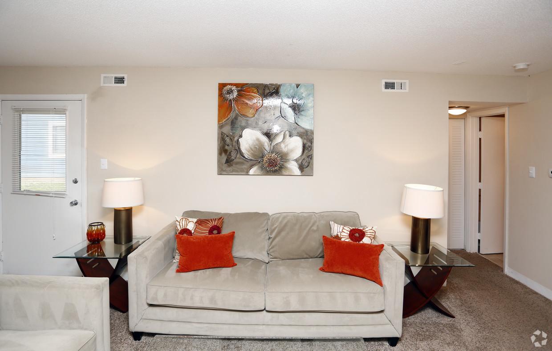 deercross-apartments-indianapolis-in-living-room.jpg