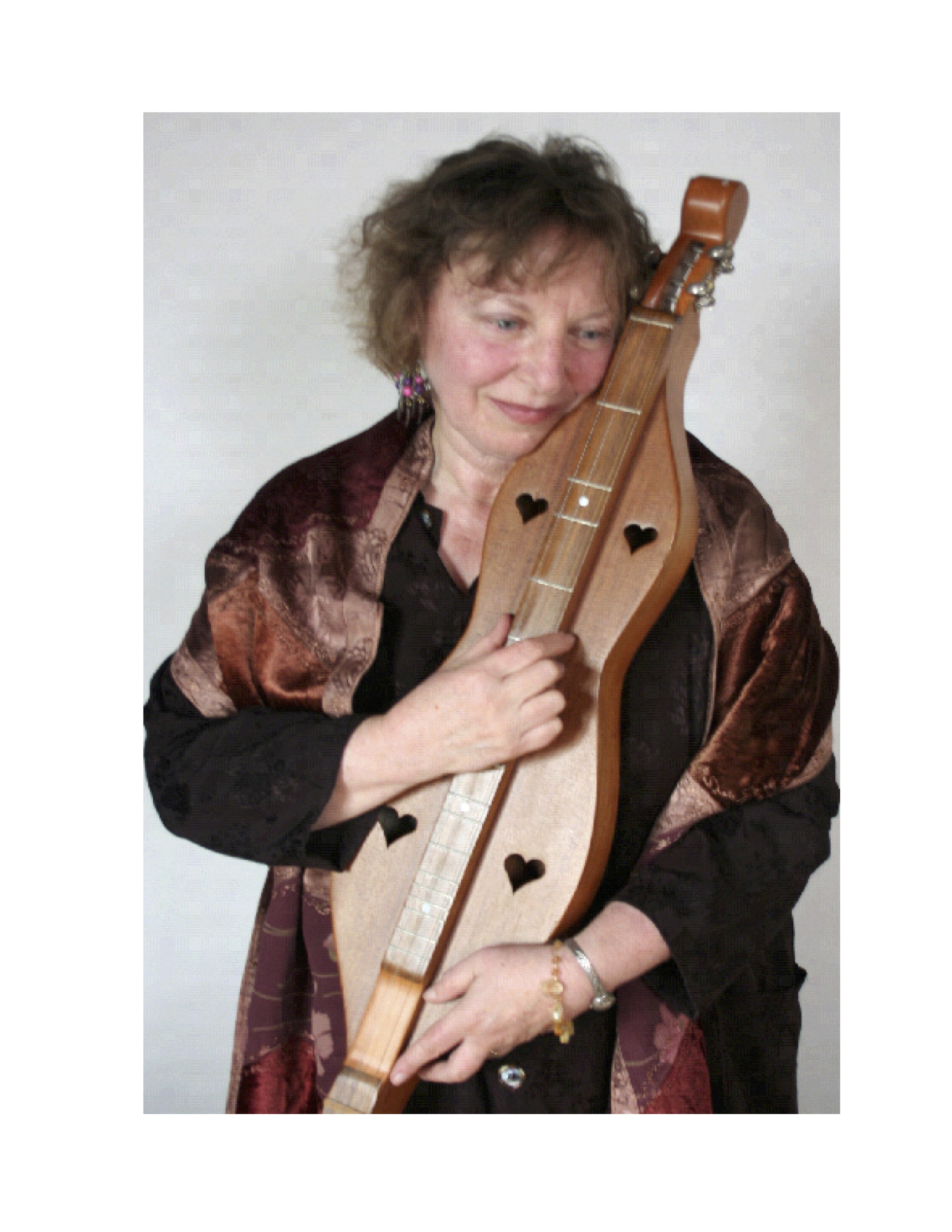Naomi Rose with dulcimer. photo credit: Lucie LeBlanc