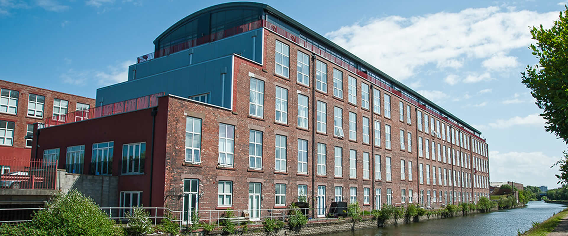 TOBACCO WHARF River City ResidenceLiverpool, England - Location: Liverpool, EnglandGuide price from: £84,9957% NET Rental Return for 1 YearType: Apartments, Buy to Let InvestmentTobacco Wharf is located in a characteristic, refurbished building, a limited number of beautifully designed and high-quality finished apartments present Liverpool tenants with a new level of residential accommodation.