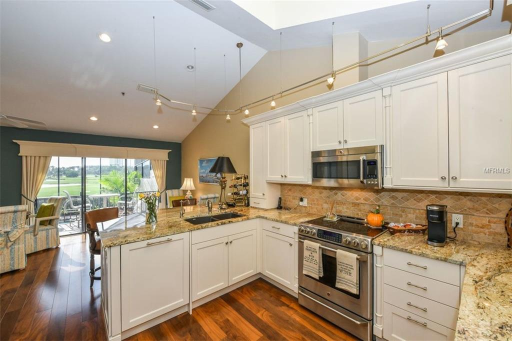 2341 harbour kitchen.jpg