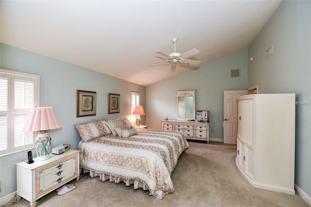 2341 harbour bedroom 1.jpg