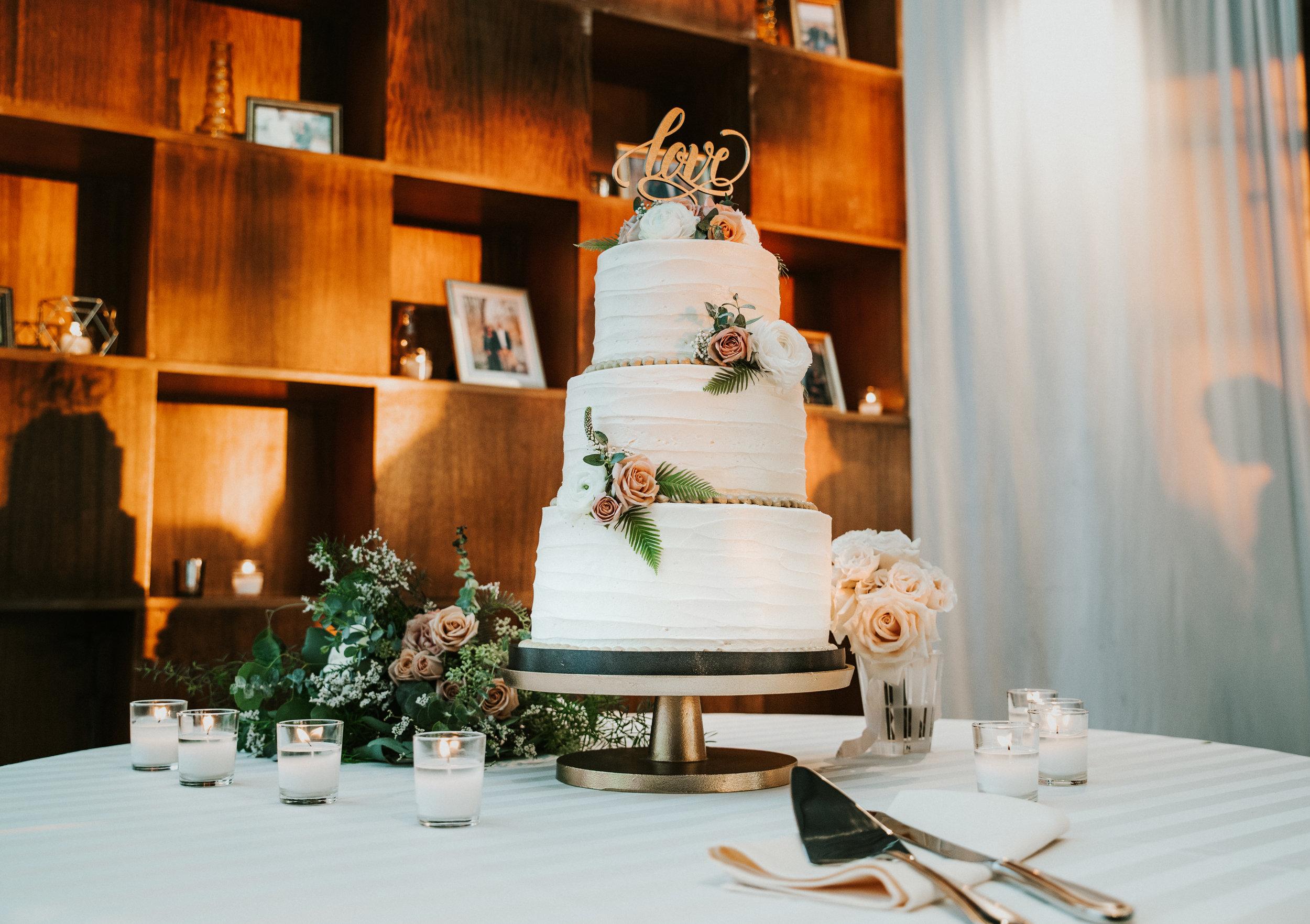 The Lofts at Union Square, High Point, NC. Wedding Reception Photos, Wedding Cake Photos. North Carolina Wedding Photographer, Marina Rey Photography.